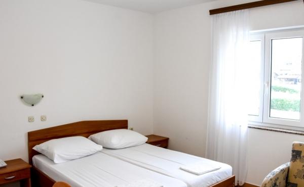 hotel-frane-pag-sobe-4299