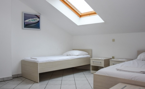 hotel-frane-pag-sobe-4179