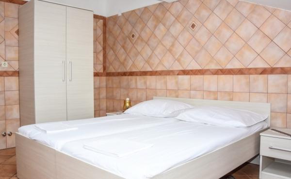 hotel-frane-pag-sobe-4211